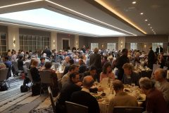 Conferees enjoy lunch and company on Sunday
