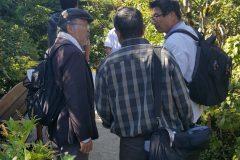 Makoto Suzuki chats with Takao Donuma on the Friday tour